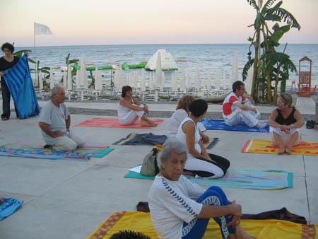 21 luglio 2005 – Yoga sulla spiaggia