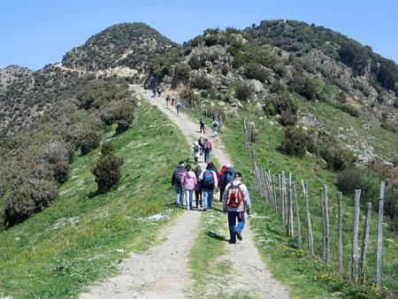 15 aprile 2007 – TREKKING YOGA a Pizzo Russa e visita a Novara di Sicilia