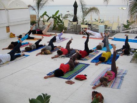 18 luglio 2008 – Yoga sulla spiaggia