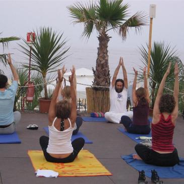 estate 2012 – Yoga sulla spiaggia