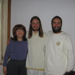 con  Jayadev Jaerschky